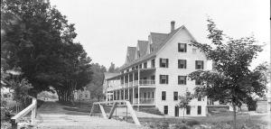 Echo Lake Hotel